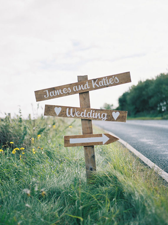 Direction Wedding sign 5 ideas for Handmade Wedding Signs